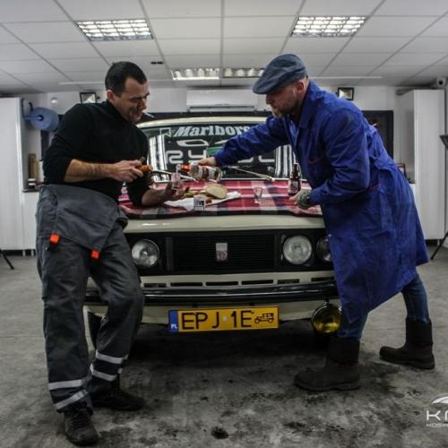 Fiat 125p kremowy