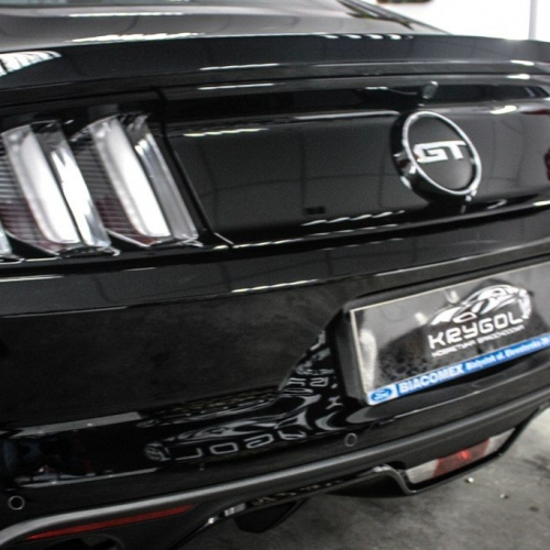 Ford Mustang 5.0 Black