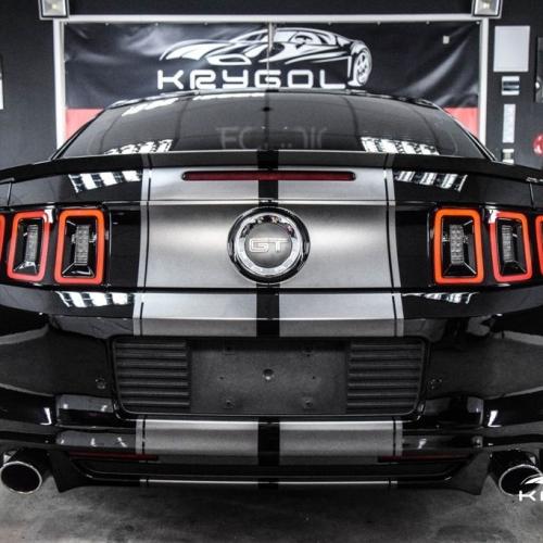 Ford Mustang czarny