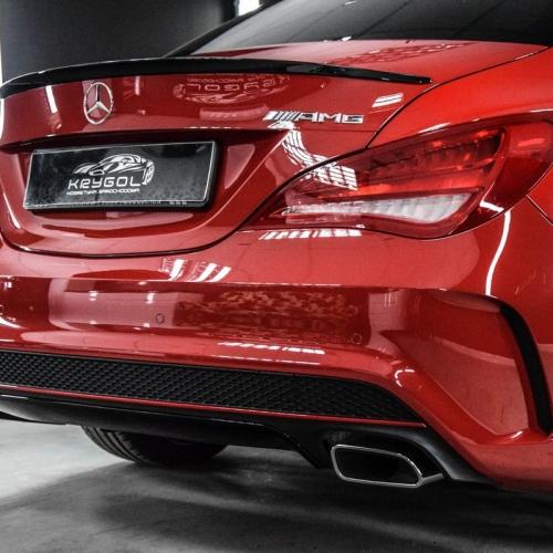 Mercedes CLA czerwony